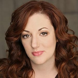 Rebecca Metz Headshot